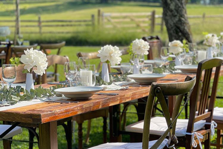 Gut Hartschimmel - Deko für eine Gartenhochzeit - Catering für die Gartenhochzeit